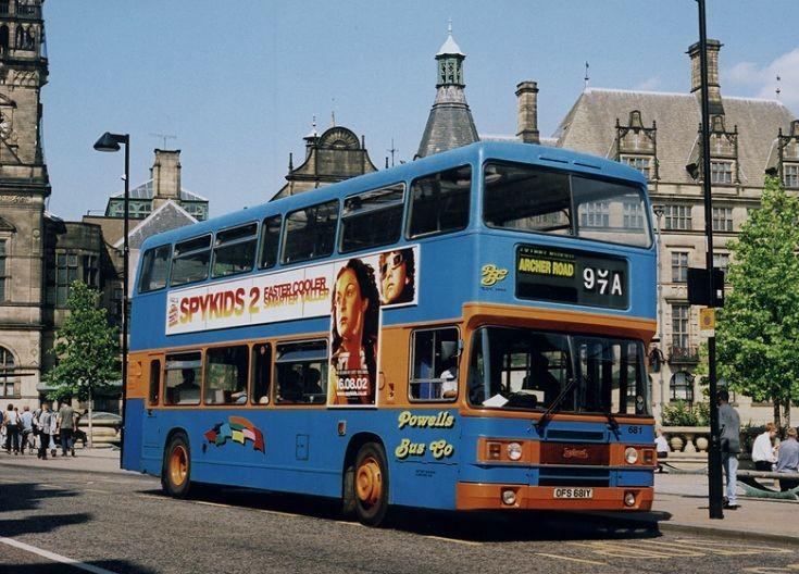 Bus at Fitzwilliam Gate