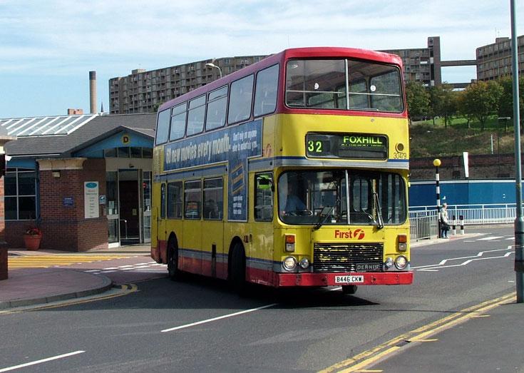 Photo of Dennis Dominator double decker bus