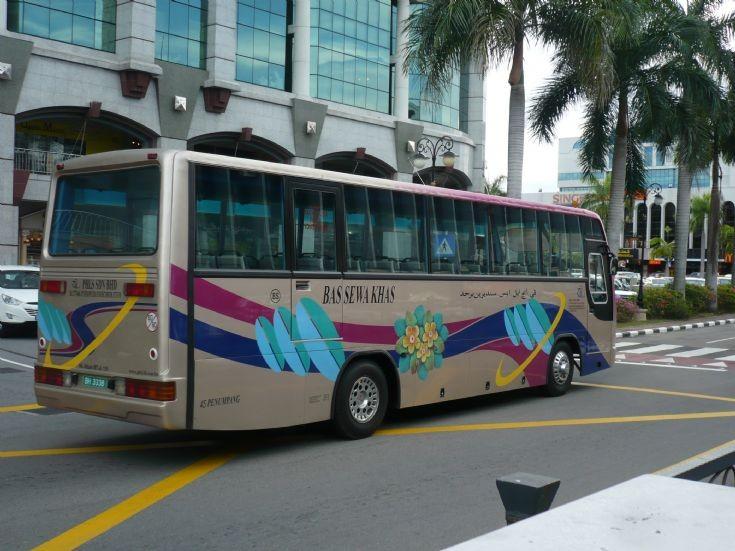 PHLS Mitsubishi BM117LR coach