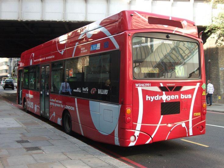 Hydrogen Bus LK60HPE rear