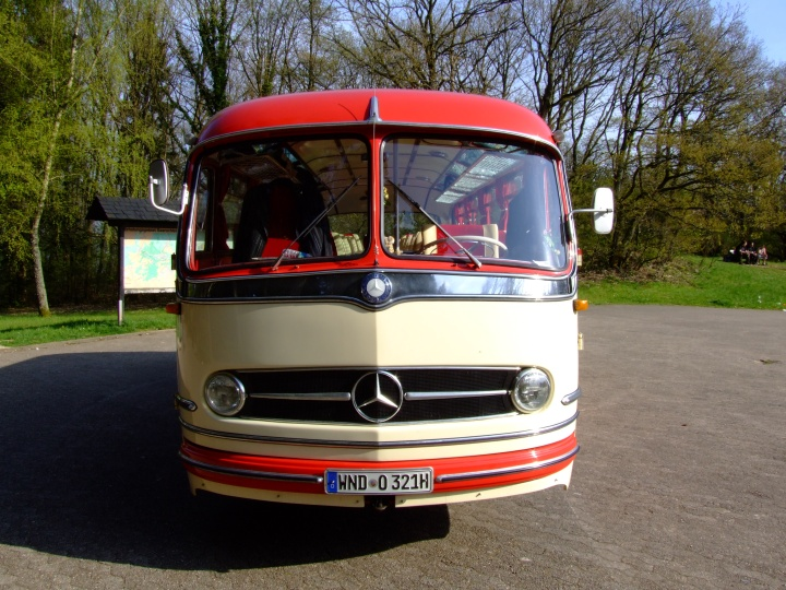 front view Mercedes O 321 H