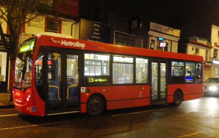 London Bus Routes : The E8