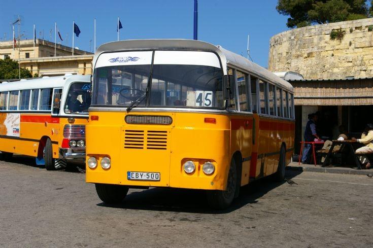 Maltese Service Bus EBY500