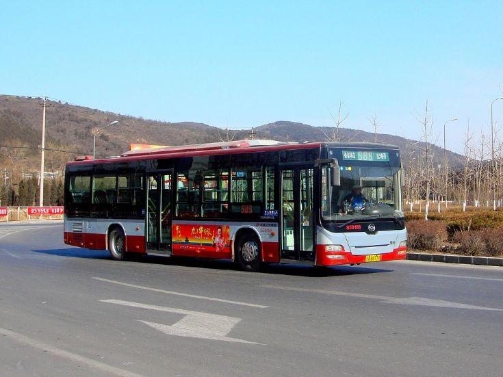 Huanghai DD6129S11