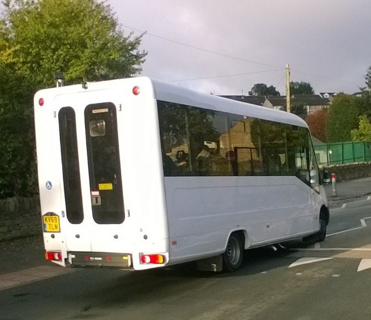Treka Bus (KV69TLN) (2019)