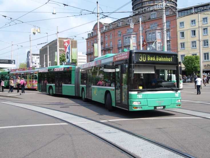 Articulated MAN bus in Basel