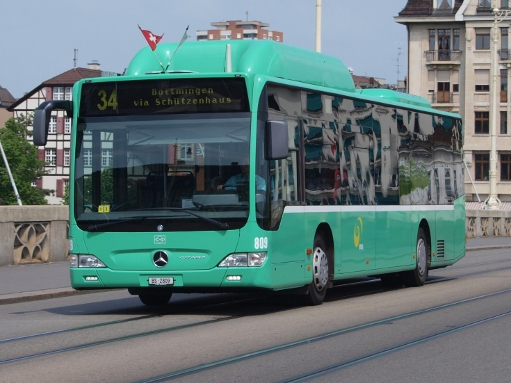 Bus and Coach Photos - Green Basel bus 809
