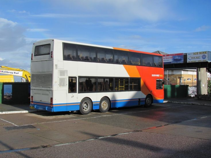 6 wheel bus of South West Trains