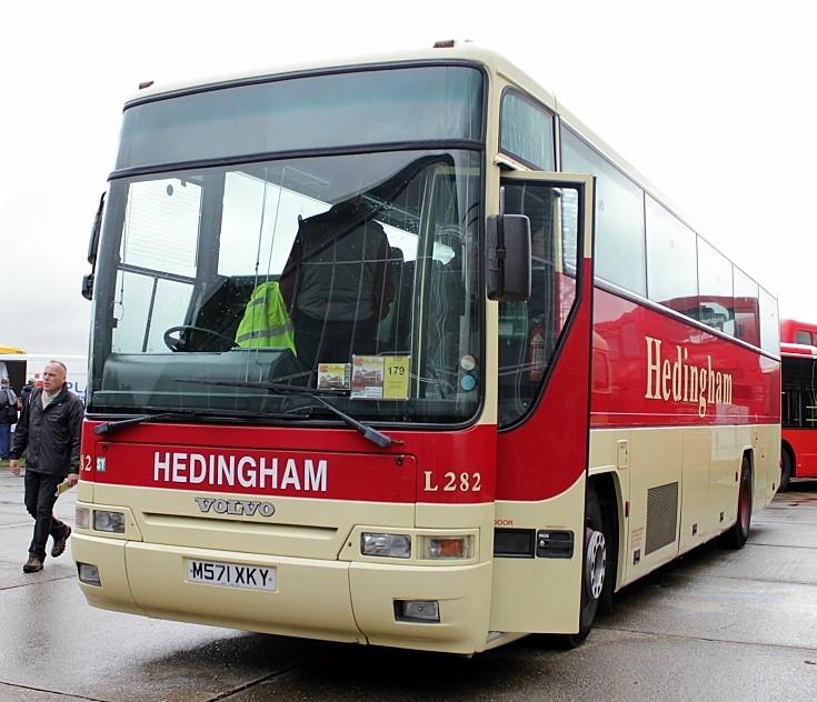 Hedingham bus L282