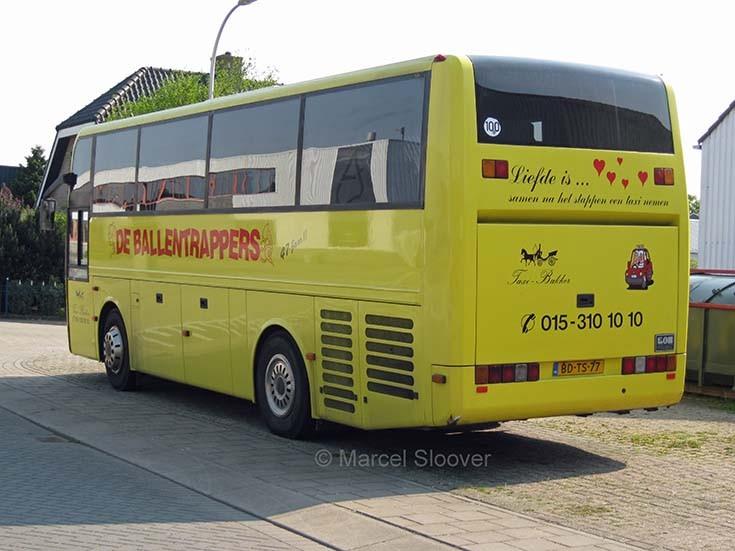 EOS coach Taxi Bakker Nootdorp rear