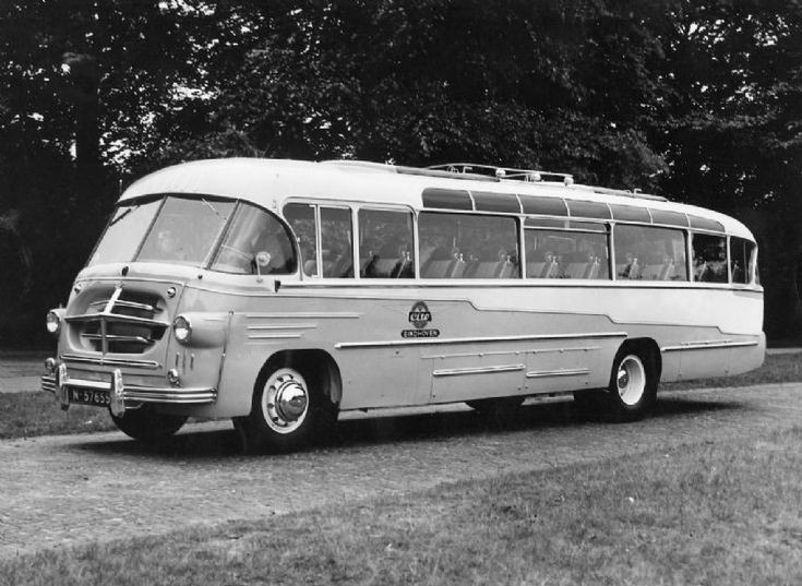 Photo of an old Dutch bus