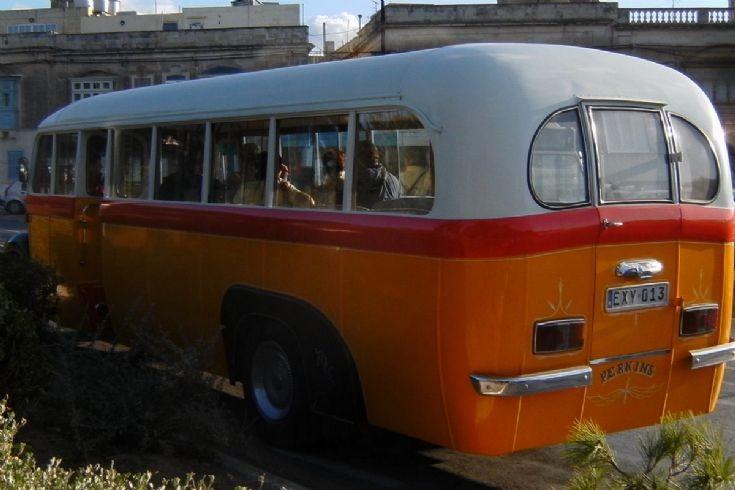 Qld Thames bus,Rabbat-M-dina,Malta