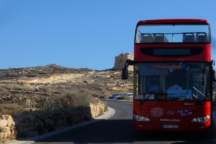 King Long Bus at Azure Window,Gozo