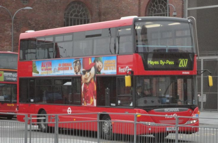 London Bus Routes : the 207