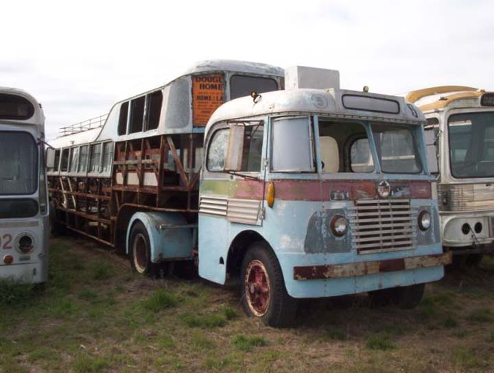 40s White semi-trailer bus in Australia