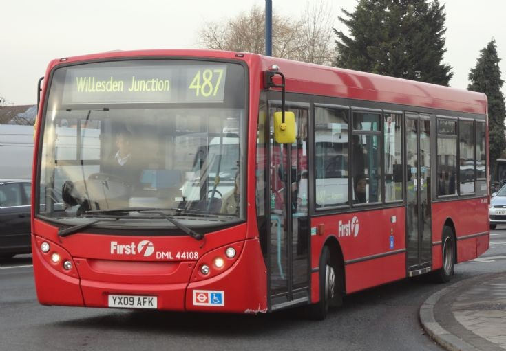 London Bus Routes : The 487~YX09 AFK