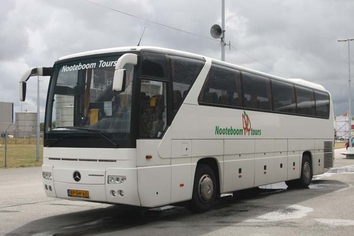 Bus and coach photos nooteboom tours vlaardingen for Mercedes benz superdome tours