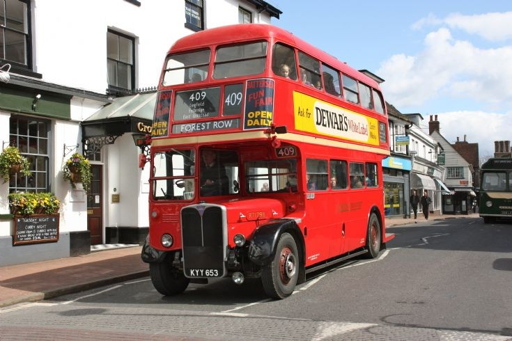 East Grinstead Running Day KYY653